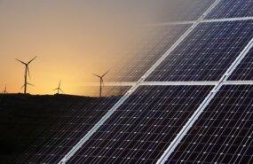 Solar und Windenergie - von seagul, Pixabay