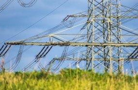 Strommast von Thomas B. auf Pixabay