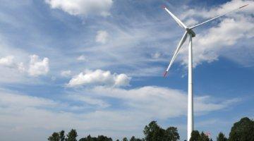 Windenergieanlage und Landschaft